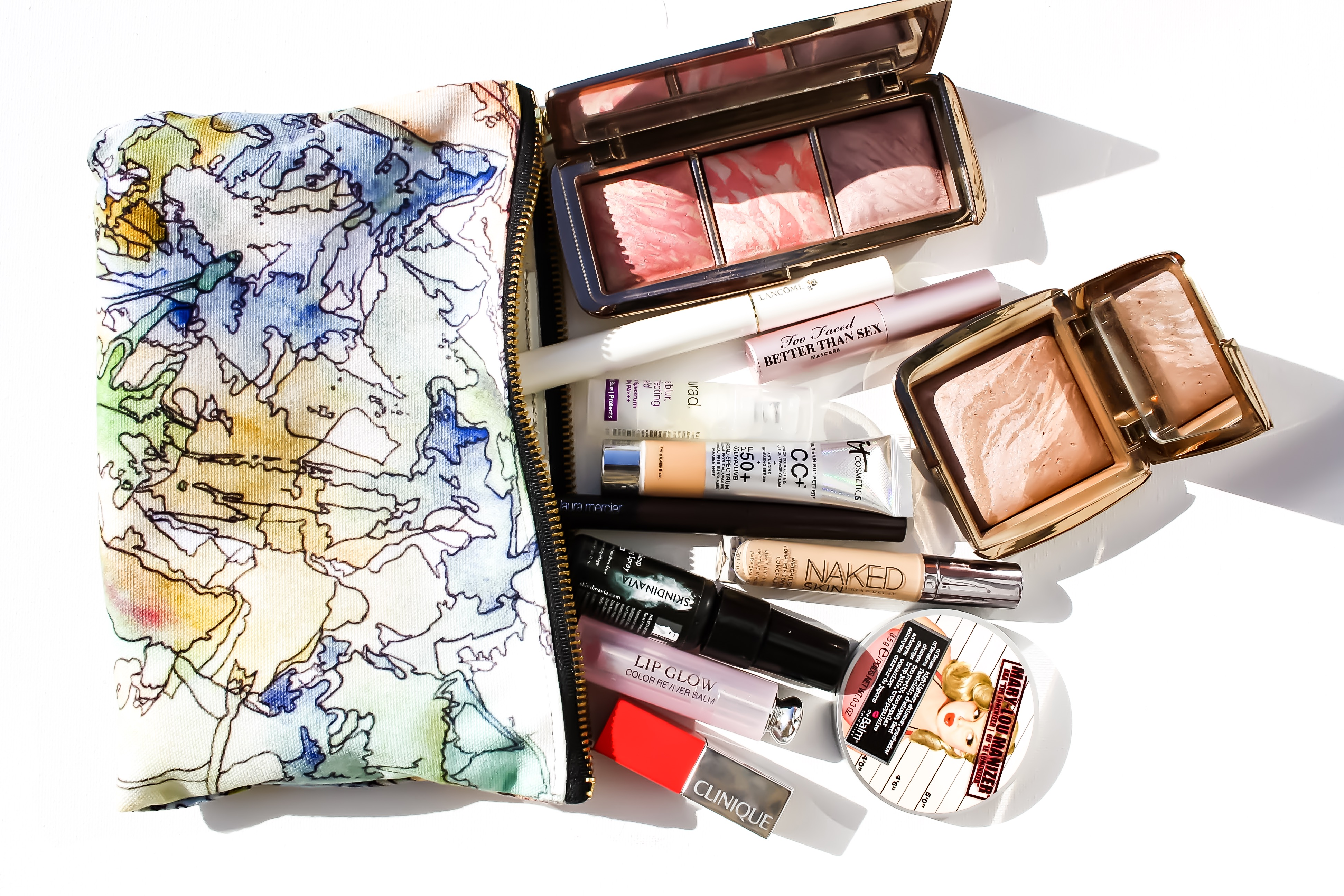Beach makeup flat lay